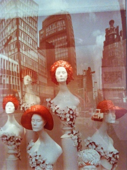 Dmitri Baltermants, Show-window, early 1970s, Colour Print