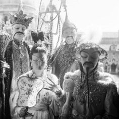 Art collector Arturo Lopez Willshaw and his wife, Patricia, dressed as the Emperor and Empress of China accompanied by Arturo's lover, Baron Alexis de Redé (left) and Georges Geffroy as a bird catcher